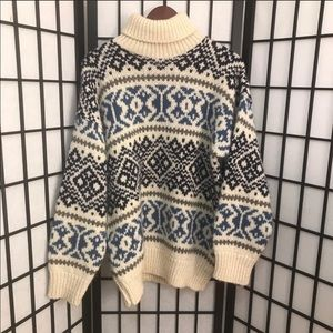 Vintage Oversized Nordic Wool Sweater Size M